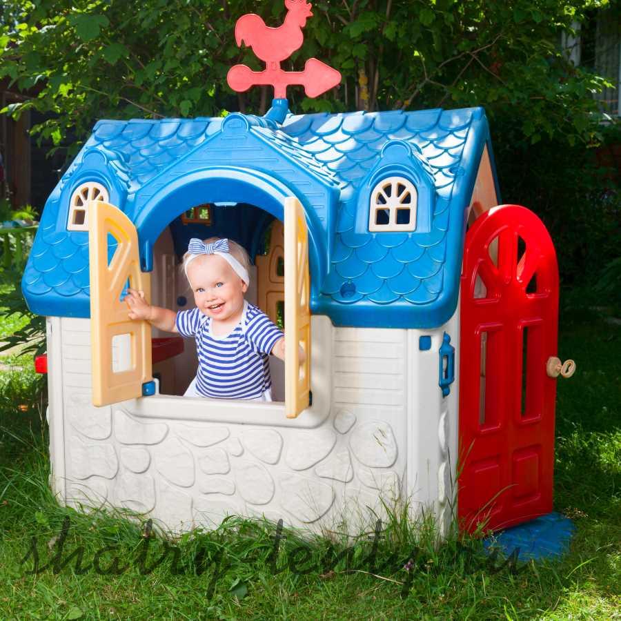 Детский домик из пластмассы