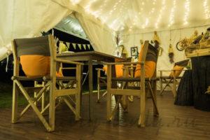 освещение в шатре-кафе