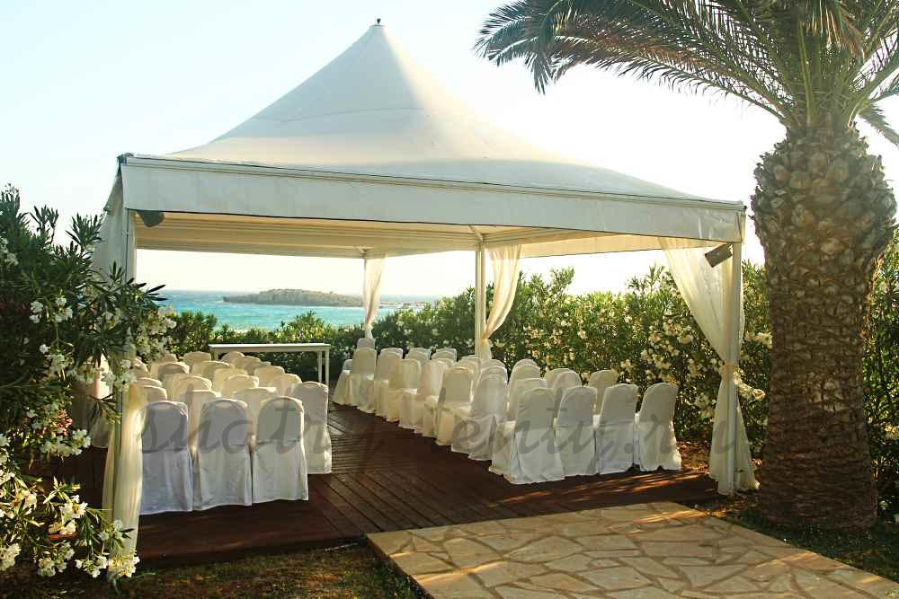 регистрация брака в сборном шатре с видом на море