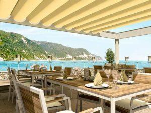 ресторан под перголой с видом на море