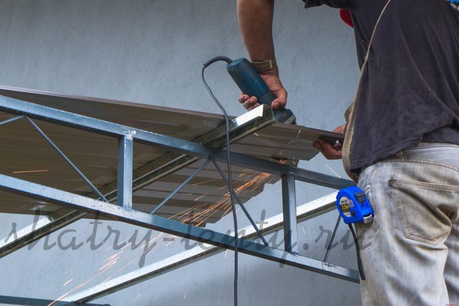 Каркасный шатер-навес для хранения строительных материалов