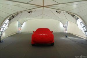 Внутренний вид арочного шатра компании ROYALTENT ARCH RT100/10