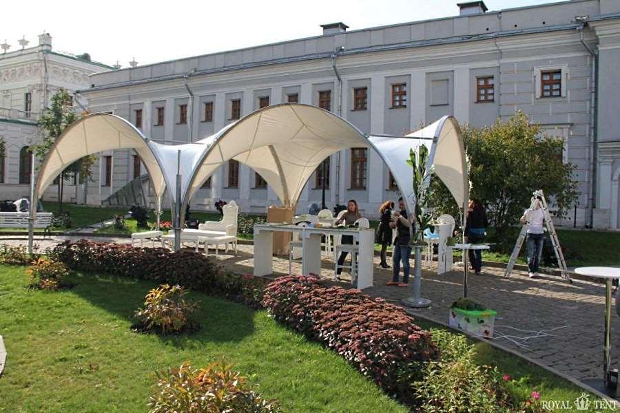 Арочный шатер RoyalTent ARCH RT100/10 в парке