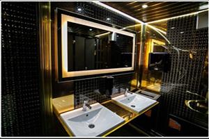 Мобильные туалеты Big Vip, Производитель – «EXPRESS WC», Россия, интерьер