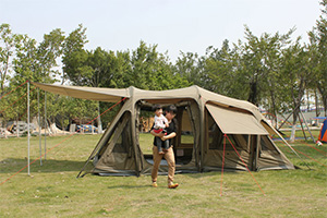 8-ми местная надувная автоматическая палатка Darche Производитель Darche, Австралия