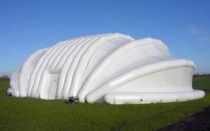 Пневмокаркасный шатер ВОЗДУХ ГРУПП на открытой местности