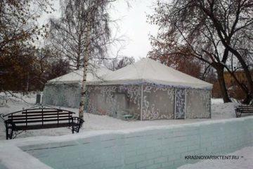 Зимний шатер павилион засыпанный снегом в парке