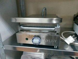 Электрический прижимной гриль Маэстро ГК-1/1,55Р в закрытом виде