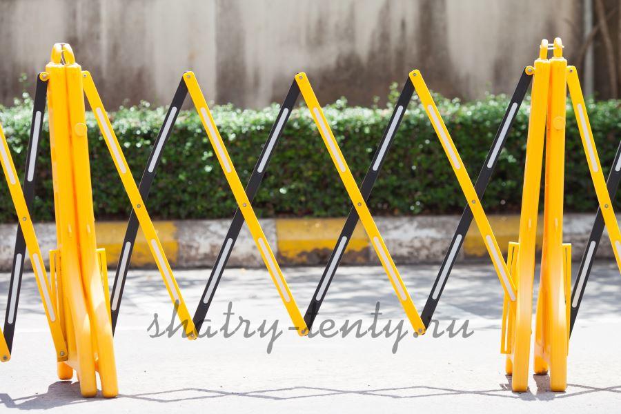 Желтые мобильные раздвижные ограждения