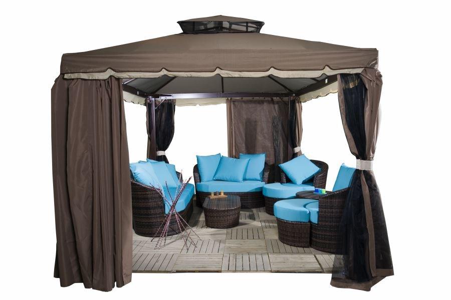 Набор мебели из ротанга под квадратным каркасным шатром