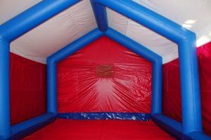 Надувная палатка шатер ПНЕВМОСИБИРЬ с двухскатной крышей вид изнутри