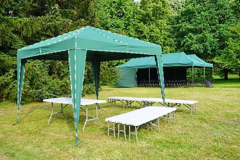 Зеленый прямоугольный шатер-тент на пластиковом каркасе
