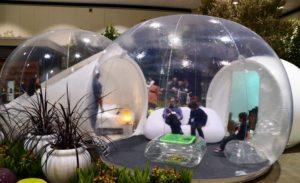 Прозрачный надувной шатер VECTOR-M на выставке