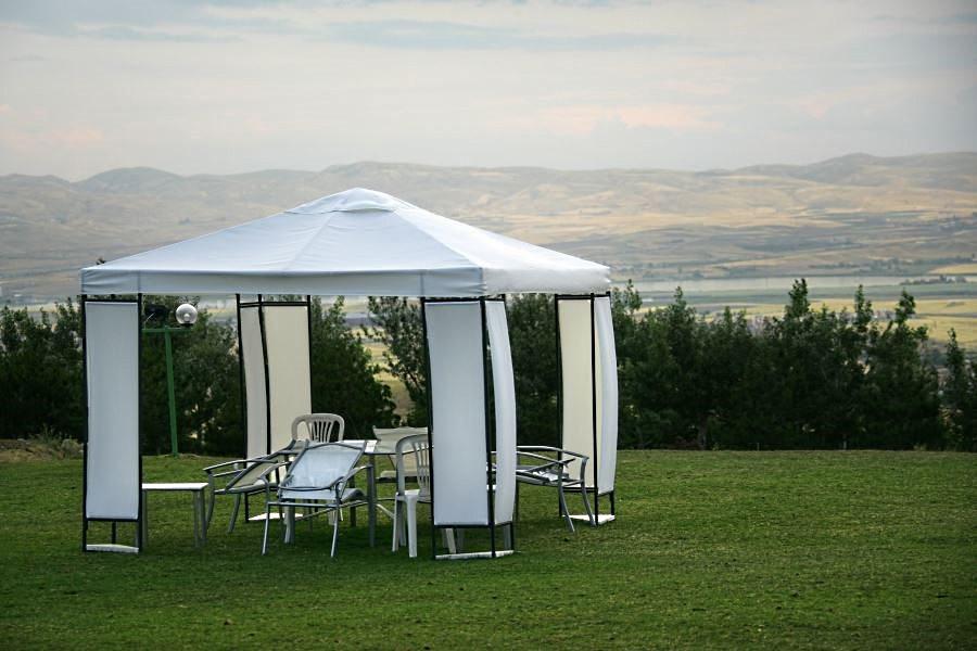 Белый садовый шатер люкс - категории с мебелью внутри