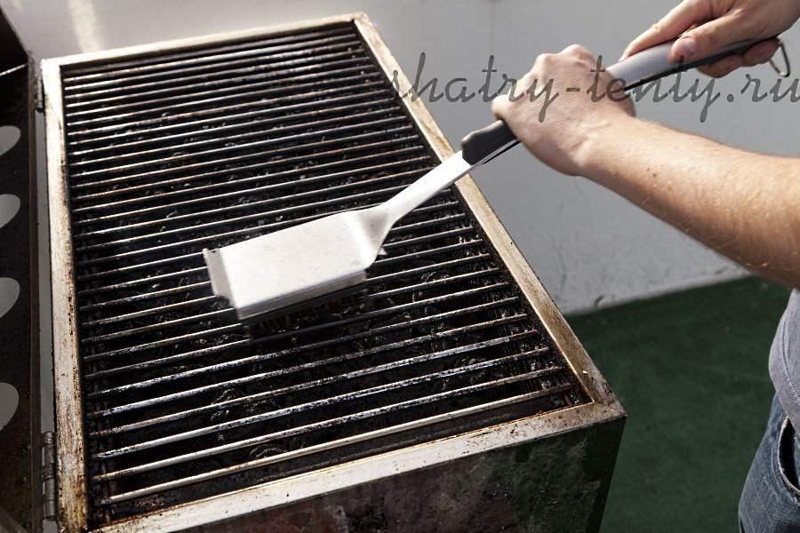 Щетка для чистки решетки барбикюшки