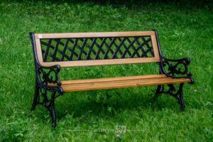 Чугунная скамейка Жардин VG-Group с сиденьем из сосновой рейки, Россия