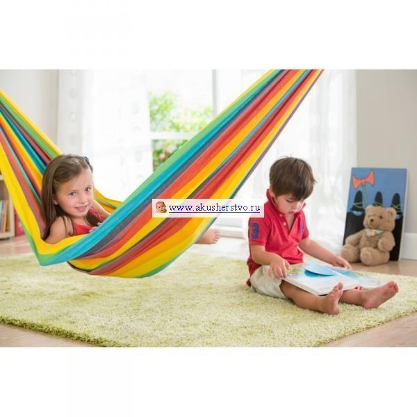 Детский подвесной гамак La Siesta Iri Rainbow в детской комнате