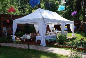 Праздничное мероприятие под белым летним тентом-павильономExpoTentPremium 3 Х 3 мна частной территории