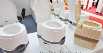 Мобильный дачный туалет из пластика с баком