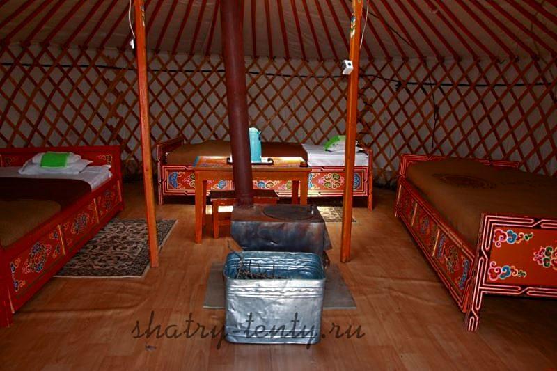 Монгольская юрта с внутренними опорами