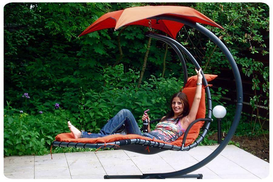 Красные «Sundays Garden4you 12976» на отдыхе