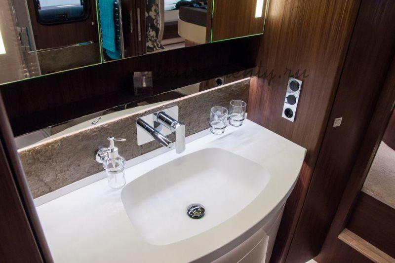 Интерьер туалетного модуля VIP класса