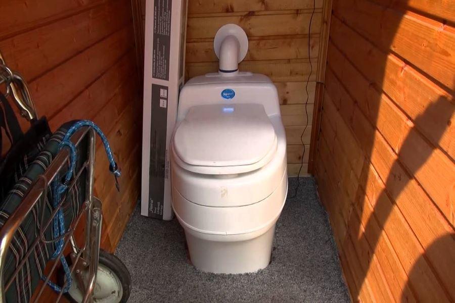 Стационарный туалет с низким энергопотреблением Separett Villa 9011