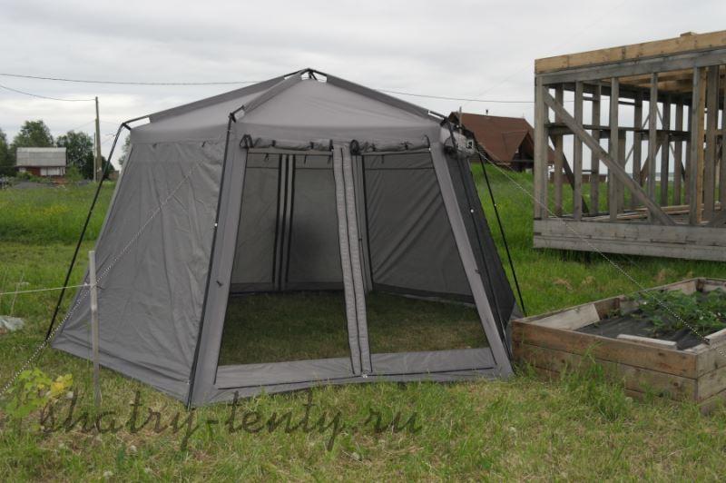Серый шатёр с защитой от насекомых на природе