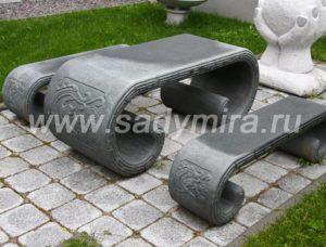 Стол и 2 скамейки из гранита Сады мира, Россия