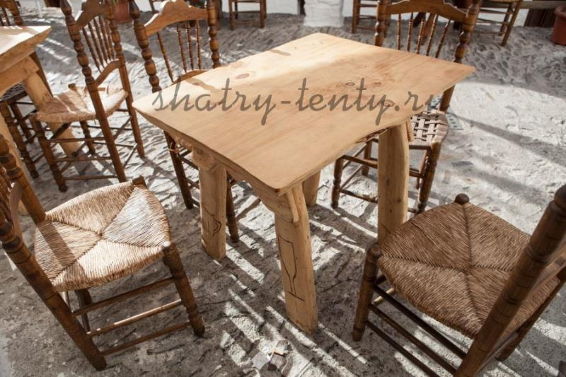 Уличная деревянная мебель с натуральным рисунком древесины