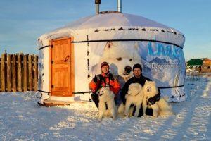 «Традиционная» юрта зимой на дачном участке