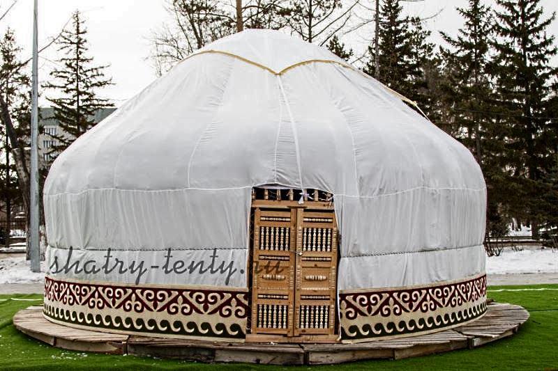 Юрта, тюркская конструкция, вид с главного входа
