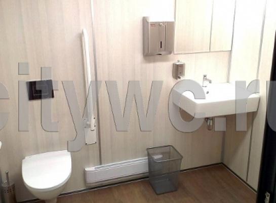 Интерьер туалетного модуля модель с утепленным металлическим каркасом ТМ02и13