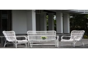 Белый комплект из двух кресел и скамьи «TAHITI» VILLA VERDE