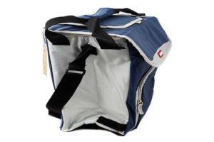 Синяя сумка холодильник «Арктика 3000» с внешним корпусом из нейлона и внутренней поверхностью из теплоизолирующего материала PEVA