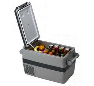 Напитки и фрукты в контейнере-холодильнике «INDEL B TB41A»