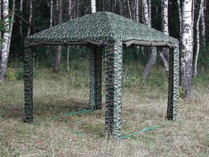 Шатер «Пикник» на поляне в лесу