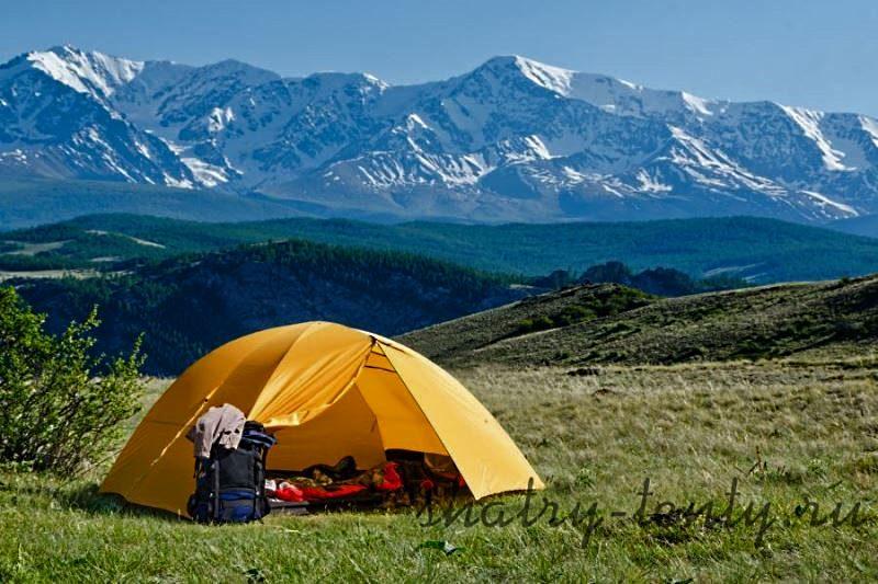 Туристическая палатка из полиэстера