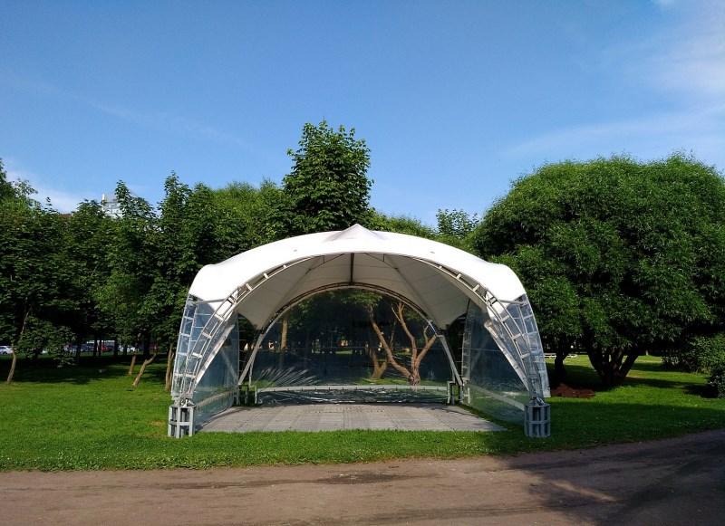 Арочный шатер 6х6 с прозрачными стенками вид спереди