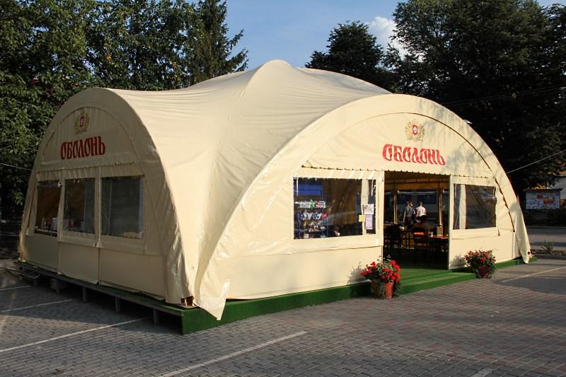 Брендированный арочный шатер для летнего кафе
