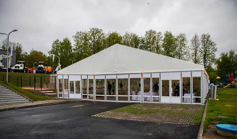 Двухскатный шатер 15х30 для проведения мероприятий, компания Фабрика шатров