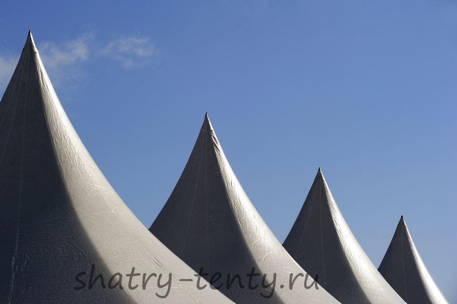 Изогнута четырехскатная крыша шатра-пагода