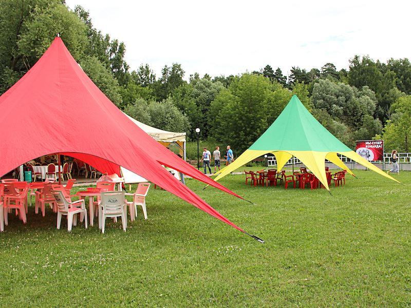 Кафе в парке под шатром тентом Звезда