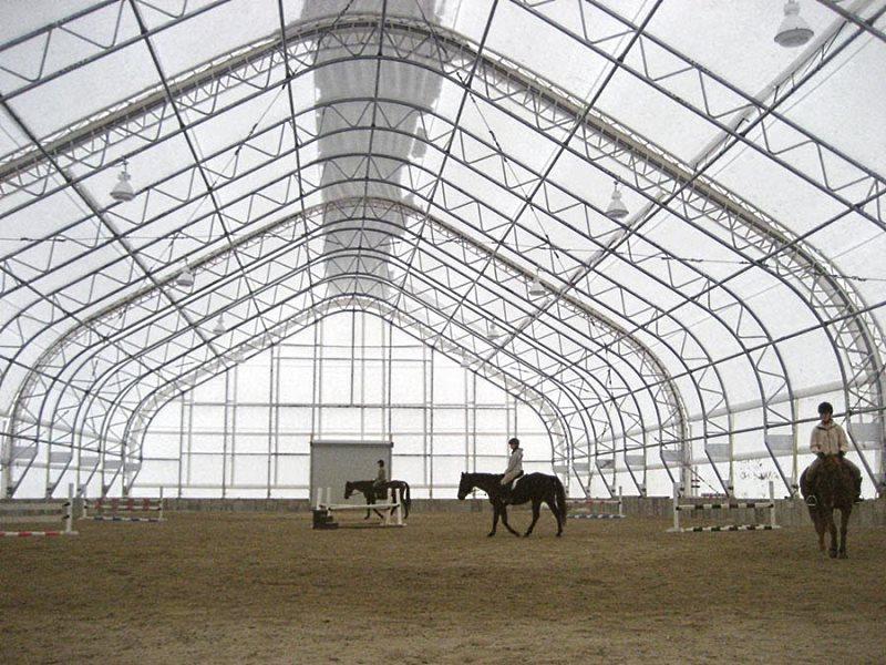 Каркасно -тентовое сооружение для конного спорта