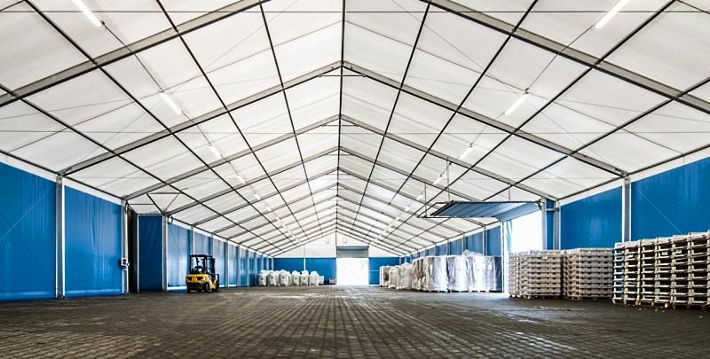 Классический двухскатный шатер для склада