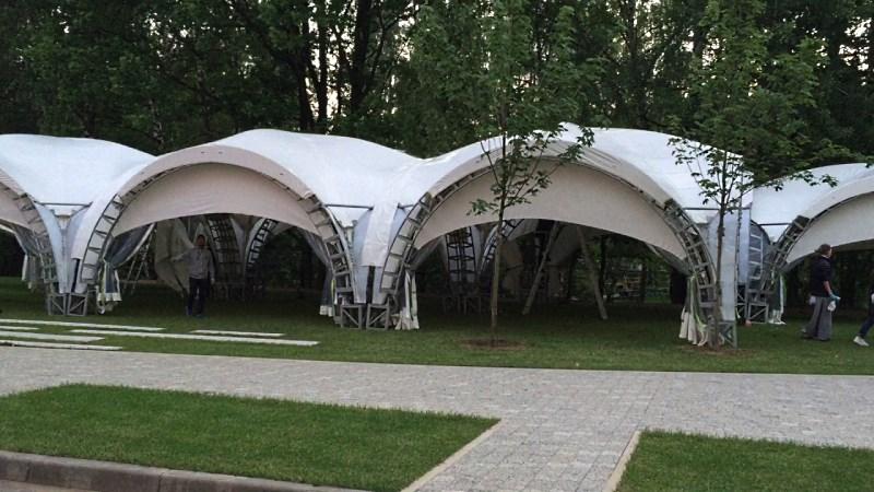 Комплекс арочных шатров 6х6 соединенных по стенке в галерею