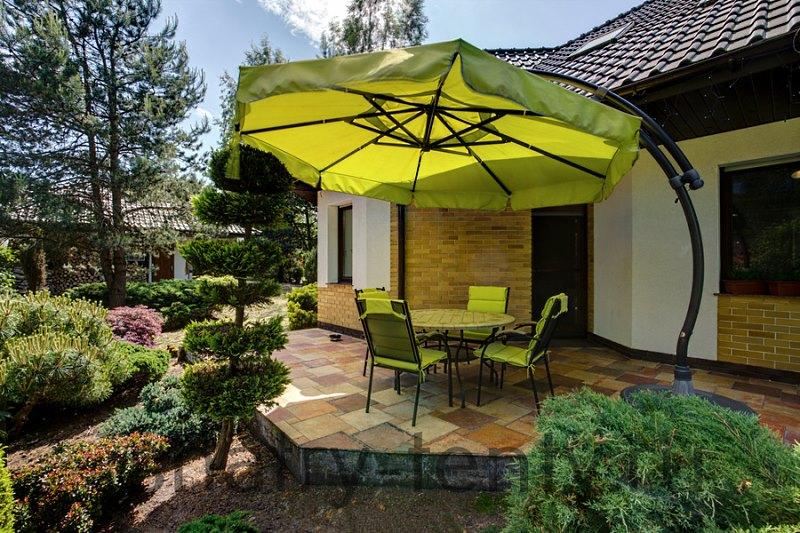 Консольный зонт из вертикального держателя и наклонной консоли