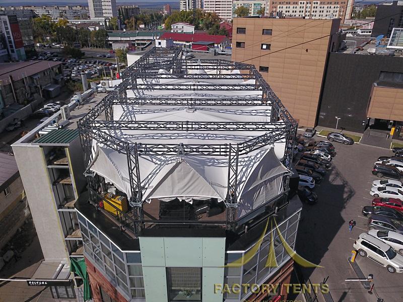 Мембранный шатер для организации коммерческой деятельности на крыше здания