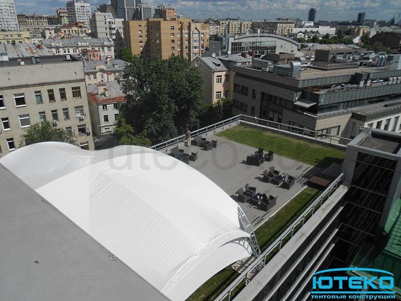 Округлая форма арочного шатра позволяет успешно противостоять порывам ветра до 30м/с