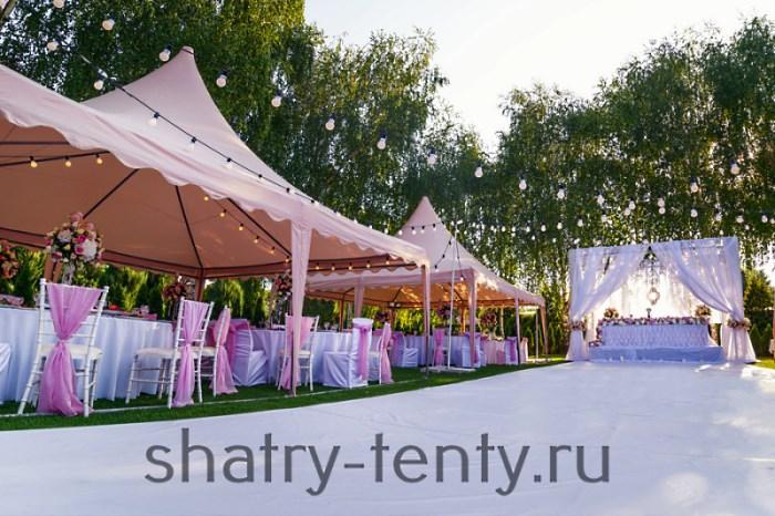 Проведение свадьбы на природе в красиво оформленных шатрах
